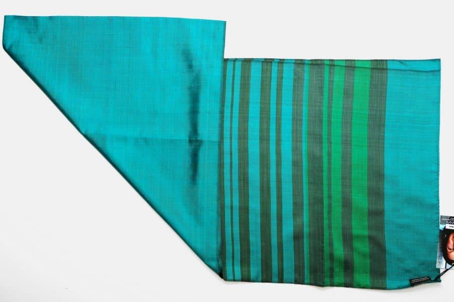 Handgefertigter Seidenschal Grün Natürliche Färbung