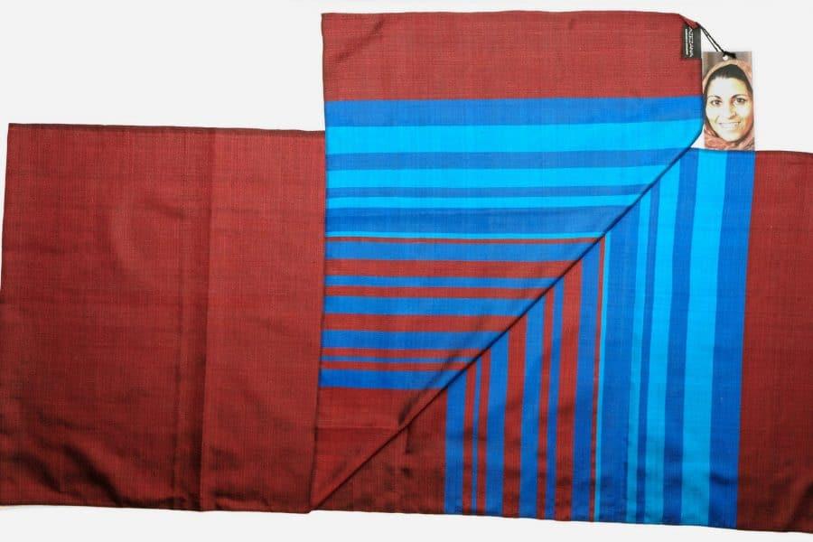 Handgefertigter Seidenschal Rot Braun Natürliche Färbung