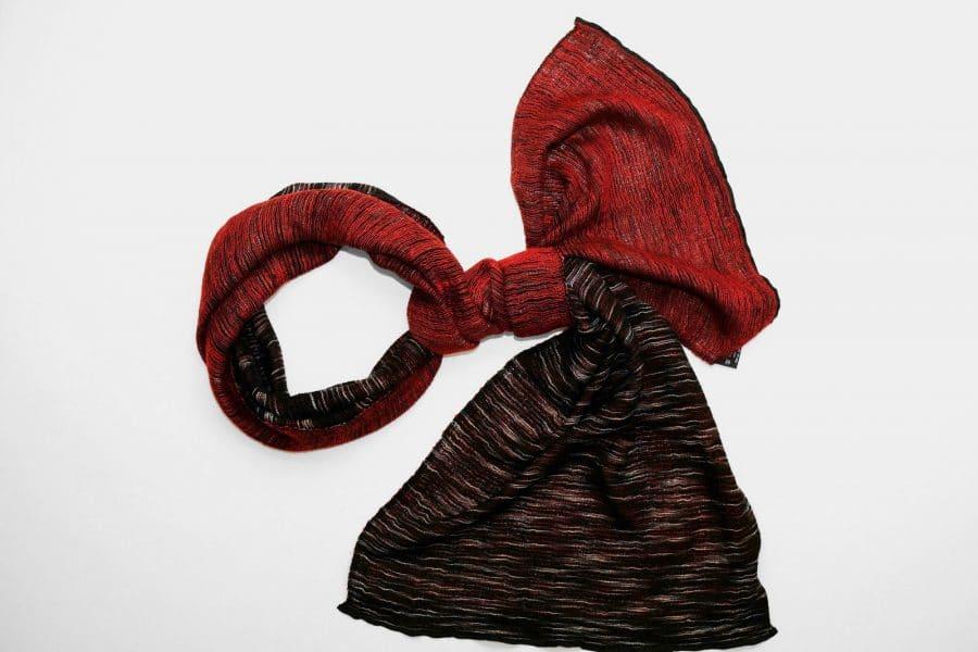 Handgefertigter Kaschmir Schal Schwarz Dunkel Rot Natürliche Färbung