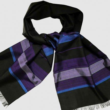 Handgefertigter Seidenschal Schwarz Violett Naturfarbstoff