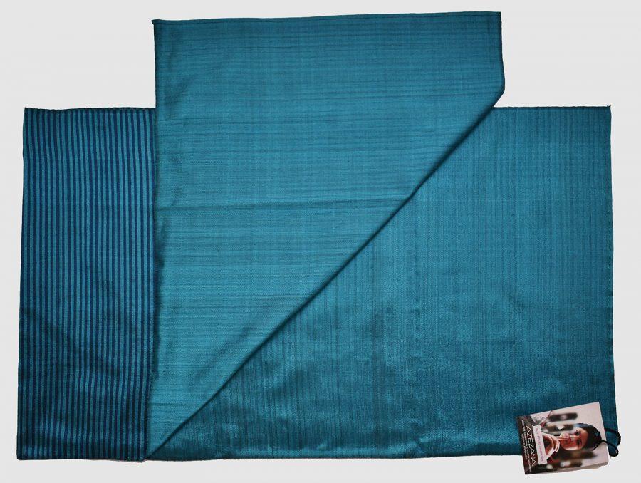 Handgefertigter Seidenschal Türkisblau